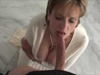Gorgeous mature wife still loves hot fuck